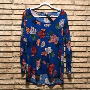 Small lula roe top Blue floral print nwot
